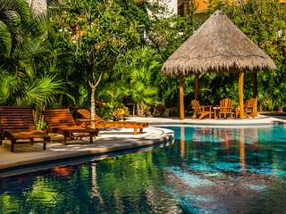 Tulum REAL ZAMA Clean 2 Bdrm with Pool & Bikes WiFi & TV & *Beach Club Access!