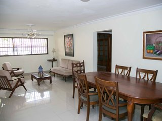 Zona Universitaria, Santo Domingo, recently renovated 2 bedroom apartment