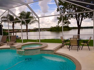 Paradise! Lakefront Pool/Hot Tub Luxury Home