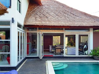 95$/NIGHT! 3BR Designer Villa with POOL in CANGGU!, Canggu