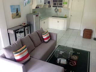 BEST VALUE 6 [Huge Living & Kitchen] Angeles Apart, Angeles City