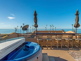 Renovated Large Beach House Roof Top Deck Ocean View  Private Jacuzzi