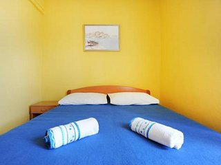 Apartments Tom - Comfort One Bedroom Apartment with Balcony and Sea View