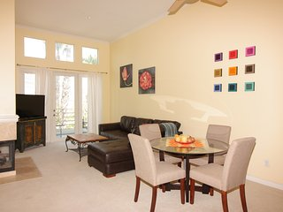 TOP FLOOR FURNISHED PENTHOUSE NEAR JWA AIRPORT & NEWPORT BEACH, Irvine