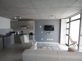 Contemporary Studio in Milnerton, 417 Key West, Century City