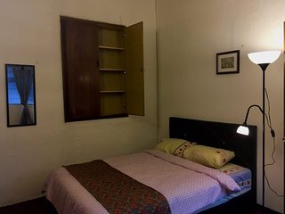 Double bed in Private room for 2 at Melakahouse