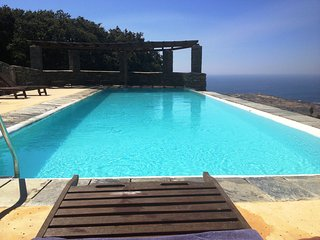 Andros Island Flat Sleeps 4 Mountain High, Sea View + Pool, Andros Town