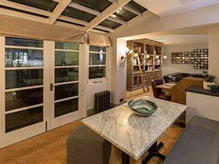 One Bedroom Luxury Living in the Heart of Mayfair, London