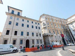 Palazzo Lancellotti Luxury #8053.1, Colonna