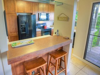 Spacious Two-Bedroom Wailea Condominium with Stunning Ocean View, Kihei