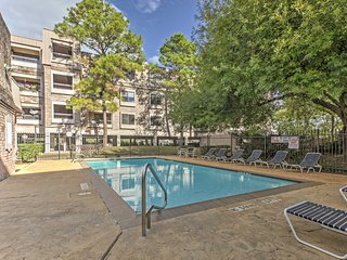 NEW! 2BR Houston Condo Walk to NRG!
