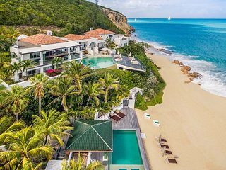 Luxury 7 bedroom St. Martin villa. On beautiful Baie Rouge Beach!