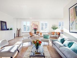 Saint Germain Chic and Trendy Three Bedroom