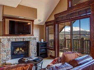 Ski In/Out Crystal Peak Lodge Peak 7 Luxury Corner Unit - Best Unit in the Build