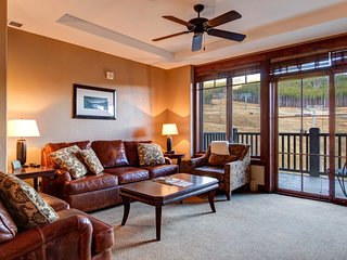 Two Bedrooms Plus Den & 2 Baths in Crystal Peak Lodge - New Luxury on Peak 7, Breckenridge