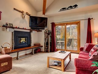 Desirable Yet Affordable In-Town Location, Huge Views, Sleeps 10, Great Rates, Breckenridge