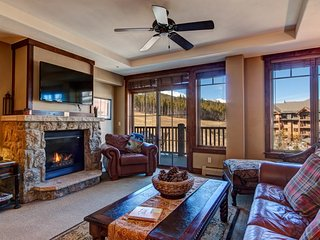 Crystal Peak Lodge Ski-In Ski-Out Corner Unit with Spectacular Views and Ultimat