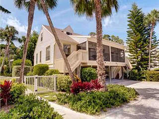 Captiva Shores- Bay Breeze Cottage