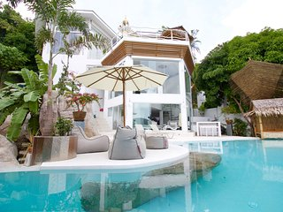 Dasiri Sunshine Ocean View Villa with a WOW! Offer