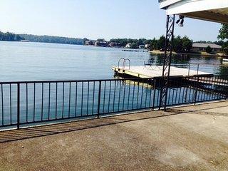 Burna Vista Resort Condo Suite Bedroom, Lake Hamilton