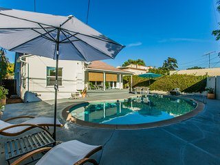 BEVERLY HILLS ADJACENT! Chic&Modern w/Heated Pool