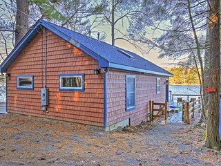 Lakefront New Marlborough Cottage - Mins to Skiing