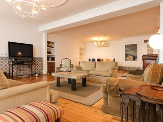 Sé Vintage Style apartment in Baixa/Chiado with WiFi & airconditioning.
