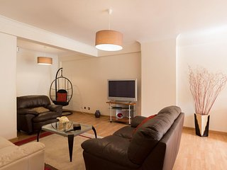 Carcavelos Cozy apartment in Estoril with WiFi & lift.
