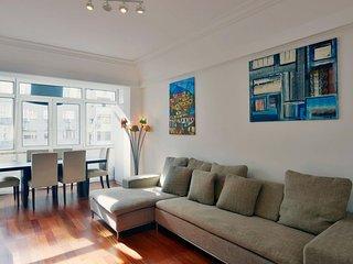 Spacious Novas Premium apartment in Saldanha with WiFi, balkon & lift.