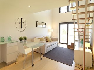 Charming Matosinhos apartment in Ramalde with WiFi & lift.