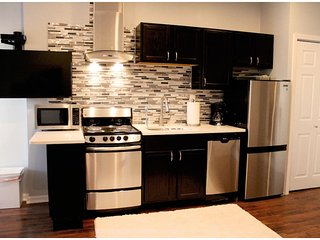 Apt 1 New Lawrenceville private 1br, Pittsburgh