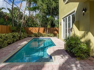Modern 4 Bedroom Luxury Vacation Townhome | Private Pool | Minutes to Beach
