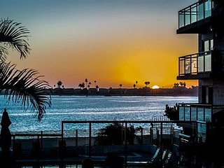 Bay-Front-Sunset View 2 bed/2 bath Condo