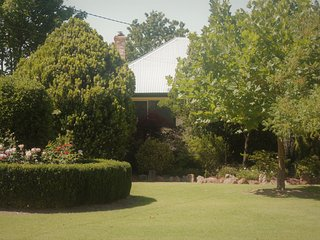 Lynrose Place, Stanthorpe