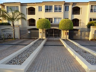Green Point Mews Self Catering 3 Bedroom Apartment