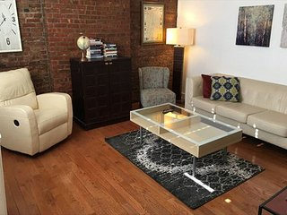 Brick 2BR Flat w/Private Patio, Minutes to NYC!, Hoboken