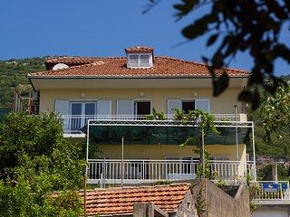Peljesac Apartmani -Orsula 3 apartments