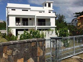 Domarjana Holidays -  Logement calme, spacieux, proche de la plage, Pereybere