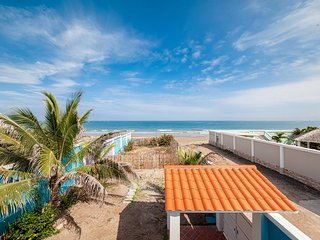 Absolute Beach Front House, Crucita