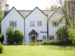 Bude - 3 Bed Accommodation With On-Site Swimming Pool