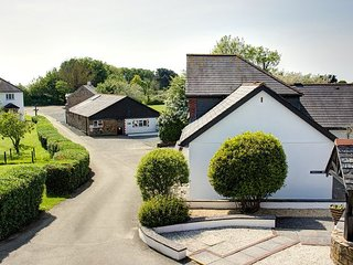 Bude - 2 Bed Accommodation With On-Site Swimming Pool, Stratton