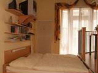Ebenerdiges Doppelzimmer mit Einbaukuche, Bad, 28 qm grosse Terasse