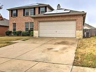 NEW! Peaceful 4BR Arlington House w/Fireplace!
