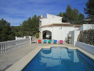 Beautiful 3 bedroom villa with pool, very scenic surrounds, paradise!, Llíber