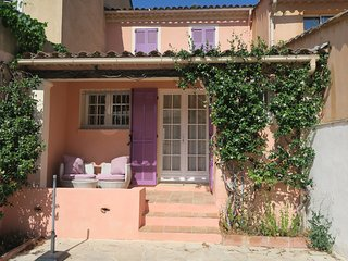 Warm, cost home in lovely village of Provence, La Mole