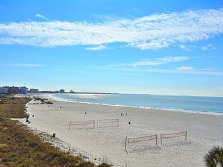 Caprice #401- Beachfront condo/AWESOME views/2 BDRM Corner unit!