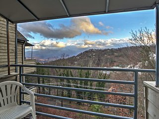 3BR Gatlinburg Condo w/ Breathtaking Views!