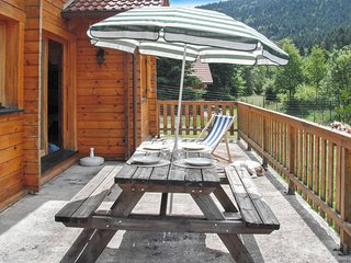 Unique chalet close to La Bresse with garden and patio - 3 bedrooms for up to 6