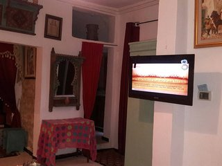 Dar Kenza 1 - Apartment with 3 rooms in Tunis, with wonderful mountain view, furnished terrace and WiFi, Túnez