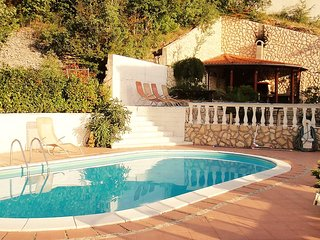 Villa with 8 rooms in Jadranovo with wonderful sea view, private pool and enclosed garden - 100 m from the beach